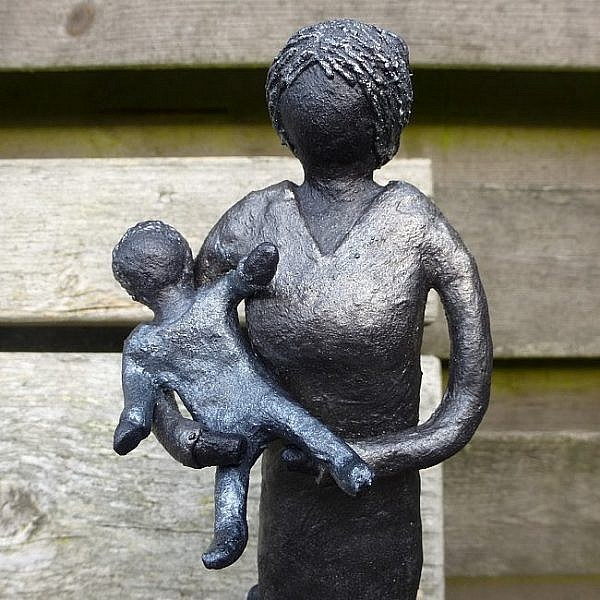 Beeld Moeder En Kinderen